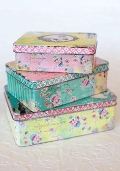 i just love tin boxes.. dun u? :)