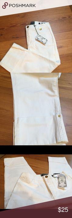 NYDJ White Cropped Cuffed Jeans NWT 10 NYDJ White Cuffed Capri denim jeans size 10. Tummy Tuck technology. Style 1799. NWT NYDJ Jeans Ankle & Cropped
