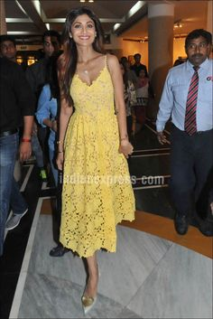 Shilpa Shetty stunning in a yellow H&M dress as she attended the 'Spring Fever 2016' session on Health, Fitness and Diet. #Bollywood #Fashion #Style #Beauty #Hot