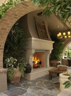 Outdoor fireplace idea #HomeandGarden