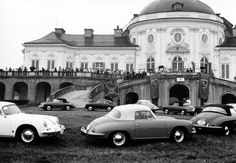 Unquestionably, Porsche makes cars worth being passionate about. The first club of such passionate men was founded some 60 years ago on 26 May 1952, in Westphalia. Shortly after, the second club is founded in Belgium, followed by the Porsche Club of America and the Porsche Club Great Britain. Today, the 640 officially recognised Porsche Clubs with their approximately 181,000 members from more than 75 countries constitute the world's largest automotive sector brand club.  On the occassion of…