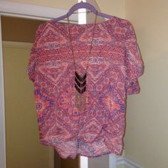 F21 Crop Top W/ Cutout In Back F21 Crop Top W/ Cutout In Back. Worn only once and in excellent condition! Made of 100% rayon. Perfect for spring and summer! Open to offers! Forever 21 Tops Crop Tops
