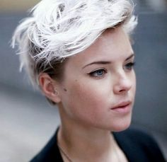 15+blonde+frisse+korte+kapsels+om+toch+nog+dat+beetje+zomer+in+huis+te+halen!