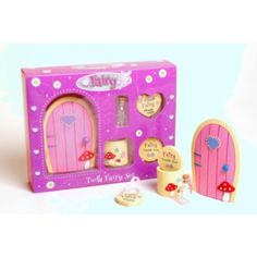 Build a magic friendship with your very own fairy friend Leave the key next to the door and a fairy will move in Whenever you lose a tooth, place it in the tooth box Check to see if your fairy has exchanged it for a treat Imaginative fun for fairy lovers aged 3 years and over