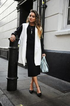 Basics are the perfect canvas for layering #fall #london #cameo #ootd #fashion #zara #dresses Find out more outfit details on my blog: http://www.whitneyswonderland.com/2015/03/spring-layers.html
