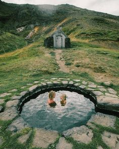 We found Bilbo Baggins backyard 😜 Beautiful World, Beautiful Places, Outdoor Baths, Hippie Lifestyle, Earth Spirit, Living Water, Iceland Travel, Travel Aesthetic, Nature Photos