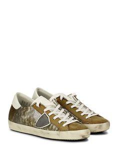 PHILIPPE MODEL PARIS - Sneakers - Donna - Sneaker in pelle e camoscio con logo su lato esterno e paillettes su tomaia. Suola in gomma effetto vintage, tacco 25. - GOLD\WHITE - € 262.00
