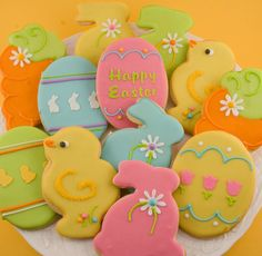 Ostern Platzchen Verziert-I really want to make beautiful sugar cookies this year. Fancy Cookies, Iced Cookies, Cute Cookies, Easter Cookies, Easter Treats, Sugar Cookies, Cupcakes, Cupcake Cookies, Easter Biscuits