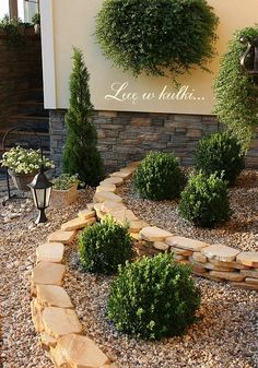 Outdoor Landscaping, Front Yard Landscaping, Garden Structures, Garden Paths, Landscape Design, Garden Design, Backyard Planters, Narrow Garden, Garden Makeover