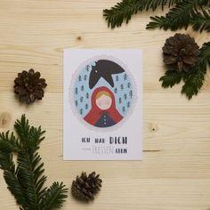 """Die Postkarte """"Rotkäppchen""""  von HEJ Marlen wurde mit viel Liebe am Bodensee illustriert und gedruckt. Alle Karten werden in einem Familienbetrieb am See auf hochwertigem 350g/m² Recyclingpapier produziert. Die Karte wird mit viel Freude verpackt und sorgfältig zu dir verschickt.t Red Riding Hood, Little Red, Letter Board, Lettering, Disney, Recyle, Glee, Postcards, Packaging"""