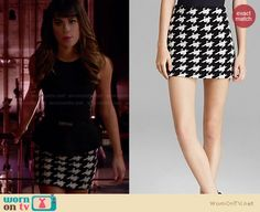Rachel's black and white houndstooth skirt on Glee. Outfit Details: http://wornontv.net/27619 #Glee #fashion