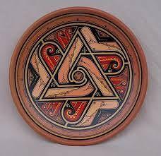 Одноклассники Celtic Symbols, Tins, Vases, Arts And Crafts, Design Inspiration, Pottery, Ceramics, Doors, Ceramica