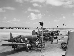 Vought Corsair VMF 113 White 4 and 6 at Engebi Island 1944 Us Navy Aircraft, Ww2 Aircraft, Fighter Aircraft, Military Aircraft, Aircraft Carrier, Fighter Pilot, Fighter Jets, American Fighter, Jet Engine