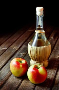 The Secret Beauty Benefits of Apple Cider Vinegar Just mix 2 cups of water, 2 TBSP grapefruit or other juice, 2 TBSP apple cider vinegar, 1/2 tsp cinnamon, and honey or stevia to taste. Drink up! Drink before a meal to aid digestion