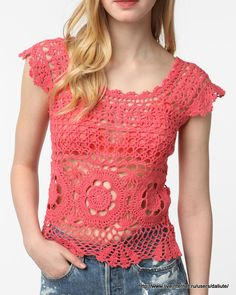 Some really beautiful crochet top patterns T-shirt Au Crochet, Cardigan Au Crochet, Beau Crochet, Pull Crochet, Mode Crochet, Crochet Shirt, Crochet Woman, Crochet Tattoo, Lace Sweater