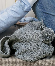Free knitting pattern - Ice Cable Bag by Martin Storey in Rowan Classic Silk Wool DK (discontinued) Loom Knitting, Knitting Stitches, Knitting Patterns Free, Knit Patterns, Free Knitting, Free Pattern, Knitting Projects, Crochet Projects, Knitted Bags