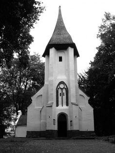Wzgórze Żalnik Kamień Pomorski Notre Dame, Black And White, Building, Outdoor Decor, House, Travel, Home Decor, Blanco Y Negro, Viajes