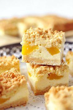 Yogurt cheesecake with fruits No Bake Desserts, Dessert Recipes, Baking Recipes, Cookie Recipes, German Baking, German Cake, Cake & Co, Food Cakes, Sweet Cakes