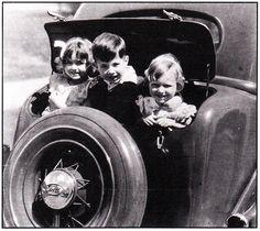 Ford Model A Trunkback c.1935