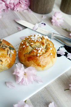 Milchbrötchen mit Dinkelmehl// Breakfast Buns