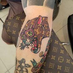 Tattoo Old School Tiger Head - Tattoo Doodle Tattoo, Kritzelei Tattoo, Clown Tattoo, Tatuagem New School, Tatuaje Old School, Old Tattoos, Sleeve Tattoos, Retro Tattoos, Louis Vuitton Tattoo
