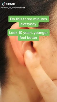 Ear Massage, Reflexology Massage, Massage Tips, Massage Techniques, Facial Massage, Massage Therapy, Yoga Facts, Face Yoga Exercises, Facial Yoga
