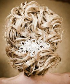 elegant bridesmaid hairstyles for medium hair