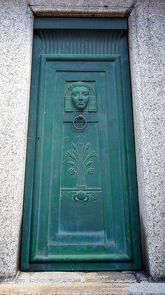 Doors worldwide - Argentina - 2009 - Sergey Rusakov - https://www.flickr.com/photos/pr-4u/4462137110/in/set-72157623689551542/