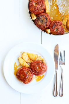 stuffed tomatoes with rice + herbs.