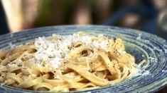 Cacio e pepe, pasta med ost Bastilla, Macaroni And Cheese, Cabbage, Vegetables, Ethnic Recipes, Ost, Mozzarella Chicken, Stuffed Pasta, New Kitchen