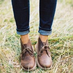 Womens Clarks Wingtip Desert Boots Amazing women's suede Clarks desert boots with a fantastic wingtip detail. These boots add a boyish flair to any outfit. Scuffs shown in images, but they honestly and truly just add to the overall vibe of the boots. Clarks Shoes Lace Up Boots