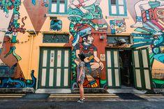 Best Photo Spots in Singapore: Haji Lane Street Art Singapore Travel Outfit, Singapore Travel Tips, Singapore Itinerary, Haji Lane Singapore, Singapore Art, Singapore Photos, Travel Pictures Poses, Tokyo Museum, Amazing Street Art