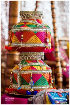 Kalash Decoration, Thali Decoration Ideas, Diy Diwali Decorations, Wedding Stage Decorations, Festival Decorations, Indian Wedding Gifts, Desi Wedding Decor, Wedding Props, Wedding Crafts