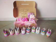 Alice e le scatole delle meraviglie #workinprogress #ballerinapartybox #ilcompleannodiAlice #coroncine #toppers #cannucce #tuttoloccorrente #goditilafesta