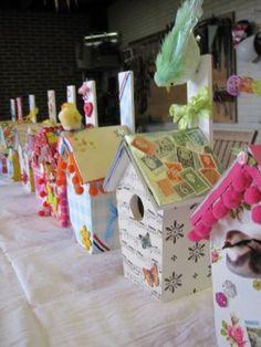 Vogelhuisjes versieren Art Activities For Kids, Art For Kids, Milk Carton Crafts, Easter Birthday Party, Craft Room Storage, Workshop, Diy Recycle, Toddler Fun, Kids Events