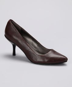 Brown Hill Top Pump by Kenneth Cole Reaction