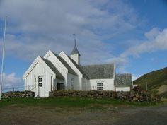 Øksnes Kirke på Skogsøya