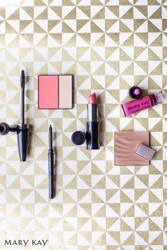 Be bold and beautiful on your wedding day with these gorgeous glam makeup staples. |