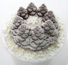 Francis Quinn winter wonderland cake.