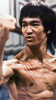 Bruce Lee, Enter the Dragon Bruce Lee Master, Bruce Lee Art, Bruce Lee Martial Arts, Bruce Lee Photos, Kung Fu, Steven Seagal, Chuck Norris, Karate, Bruce Lee Workout