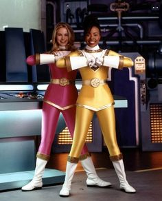 Pink and Yellow Ranger at ready, from Power Rangers Zeo Power Rangers Zeo, First Power Rangers, Pink Power Rangers, Rangers Team, Mighty Morphin Power Rangers, Pink Ranger Kimberly, Catherine Sutherland, Bikini Beach Pics, Vr Troopers