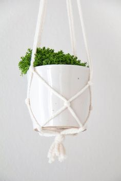 These simple hanging pot plant holders are a really effective way to add a focal point to an otherwise blank corner, helping to introduce...