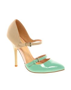 This minty colour is all the craze this spring and I love it!!
