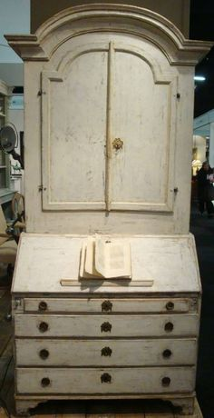 18th century Swedish Secretaire - a beautiful piece!