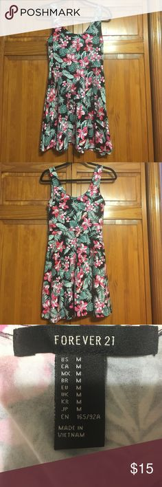 forever 21 floral skater dress like new condition, lightly worn, fitted up top loose bottom Forever 21 Dresses