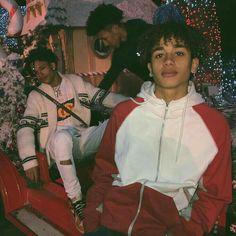 FOLLOW MY POST PAGE FOR MORE : SAVIORNANA ˢᴼᵁᴺᴰᶜᴸᴼᵁᴰ : ᴺᴬˢᵀʸᶜᴿᴱᴱᴰ ____________________ є∂ιтιηg α¢¢συηт : кιℓℓ¢нυzι Cute Lightskinned Boys, Cute Black Boys, Hot Boys, Cute Guys, Pretty Boys, Gorgeous Men, Beautiful Boys, Beautiful People, Fine Boys