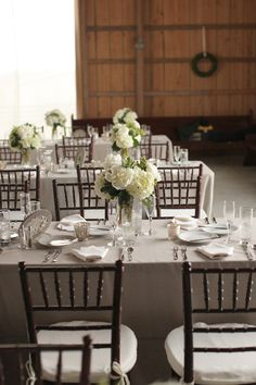 Gray linens, Chiavari chairs // Photography By / http://bellagracestudios.com/