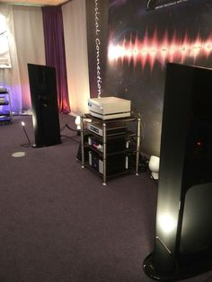 Live from X-Fi Show in Eindhoven with our partner More Music BV. #bassocontinuo #audiorack #madeinitaly #thebestornothing #xfi2017 #audiophile #audioshow #eindhoven #thenetherlands #furniture #highendaudio #luxury #design #details #vinyl