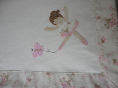 Enxoval de Bebê - Manta em malha 100% algodão com aplicação e barra em tecido (tricoline) Confeccionado por Maete Atelier www.facebook.com/maete.atelier teresi@globo.com