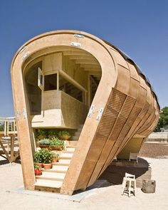 Bee Hive House: Creativity Has No Boundaries